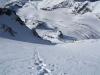 Rückblick - tief unten der Gergeti-Gletscher