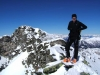 Der feslige Gipfelgrat kann bei Vereisung und ungünstiger Schneebeschaffenheit heikel sein.